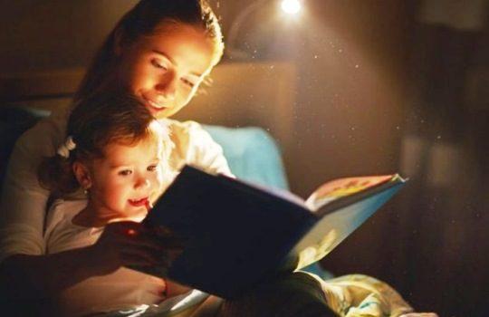 Tips Membacakan Cerita Sebelum Tidur untuk Anak Agar Semakin Asyik dan Seru